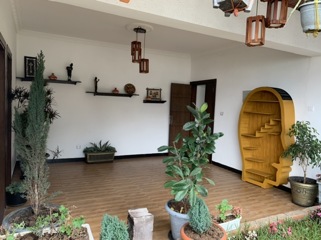 Modern and well renovated House In Kebena Area!